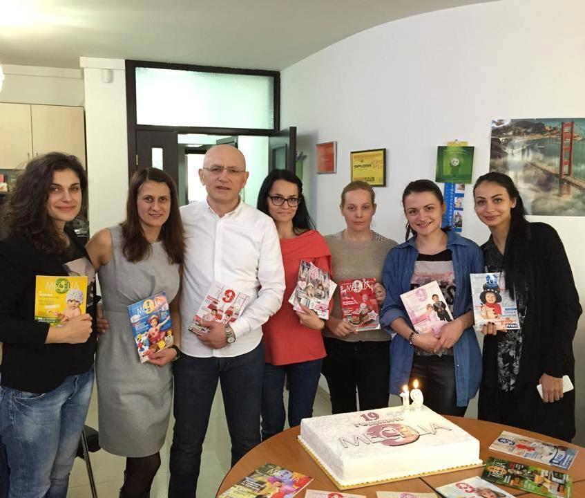 """Кръстьо Кассабов и екипът на Списание """"9 месеца"""""""
