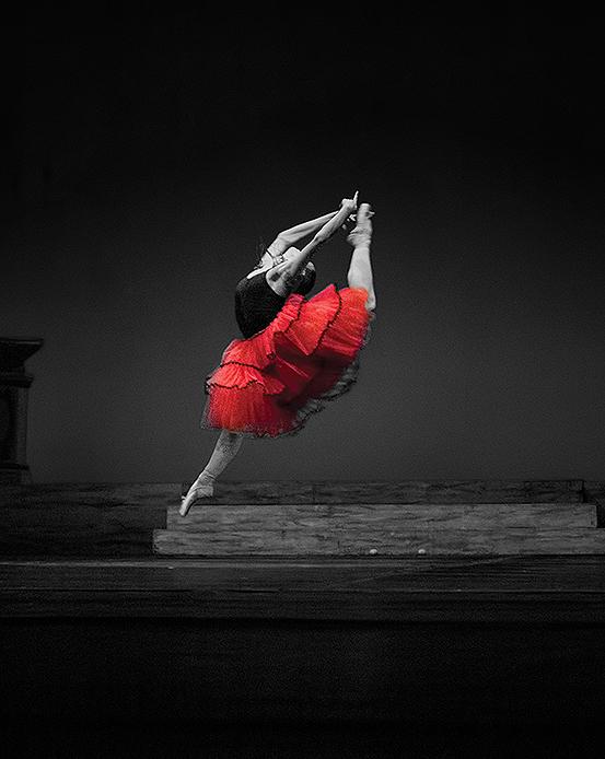 Десислава Валериева Стойнешка по време на балетен танц